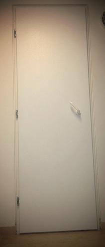 תיקון דלתות על המקום