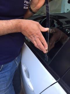 פריצת רכבים עם סרגל